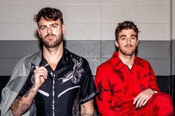 27 THE CHAINSMOKERS