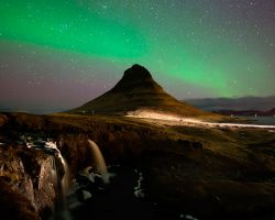 ICELAND IS OFFERING TO PAY ARTISTS 25% OF EXPENSES TO RECORD THERE