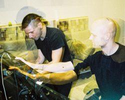 SKRILLEX와 NOISIA가 함께 음악 작업을 하고 있다