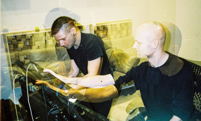 SKRILLEX AND NOISIA ARE WORKING ON MUSIC TOGETHER